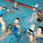 Аквааэробика: направления, польза, противопоказания для занятий аквааэробикой